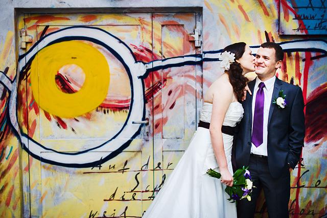 zdjęcia na tle grafiti