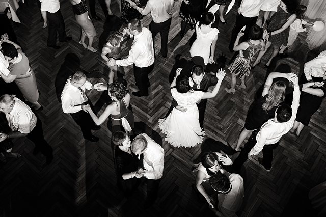 cała sala tańczy