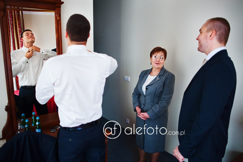zdjęcia ślubne Srebrna Góra - Witek przygotowania