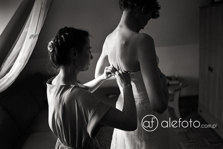 wspaniałą suknia ślubna - zdjęcie