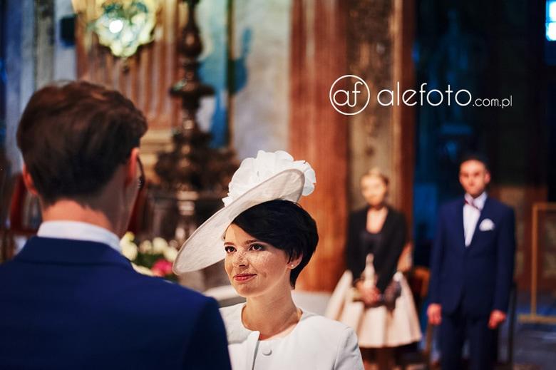 kapelusz na ślubie