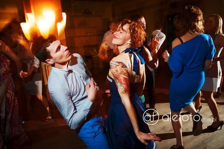 wspaniali goście weselni