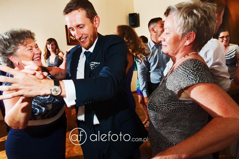 wesołe tańce fotografia