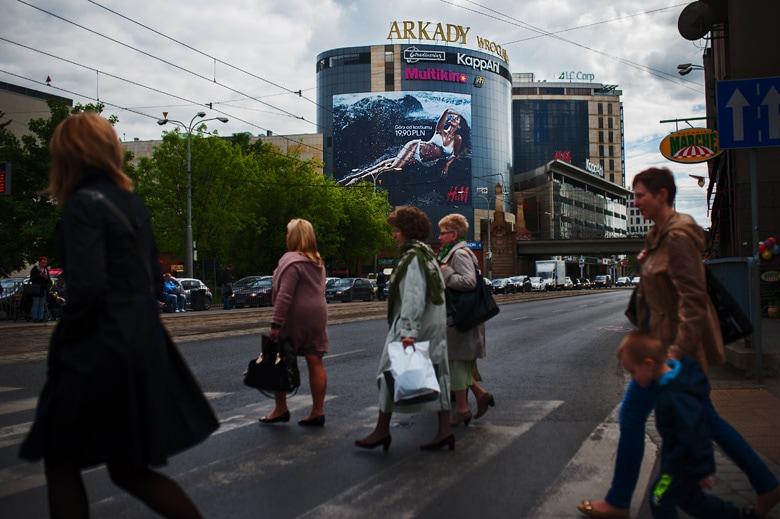 zdjęcia są wszędzie - bilboard na ulicach Wrocławia