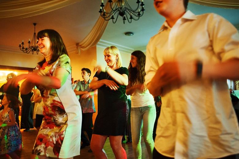 tańce zabawa impreza