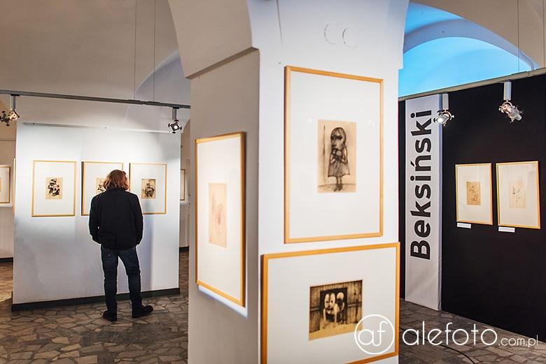 rysunki Beksińskiego na wystawie we Wrocławiu