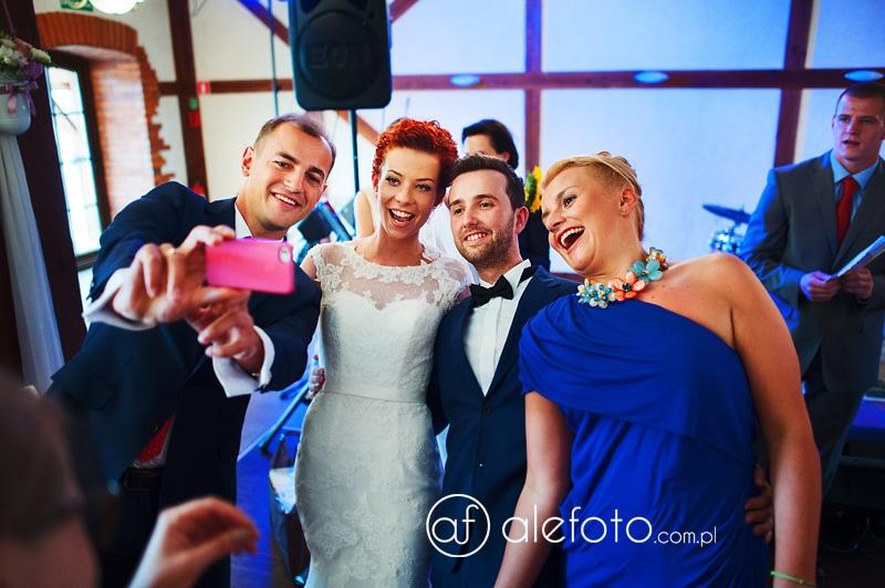 selfi na weselu