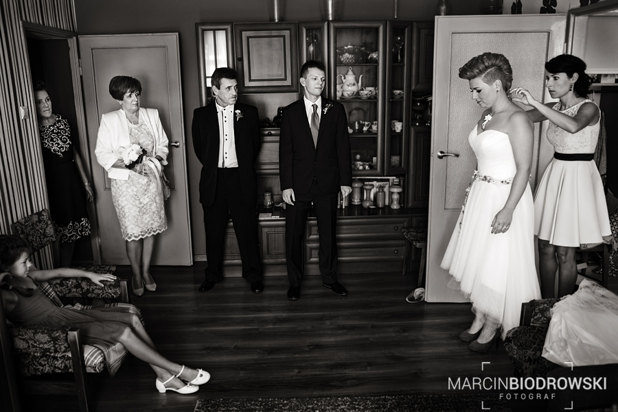 czarno-białe zdjęcia ze ślubu