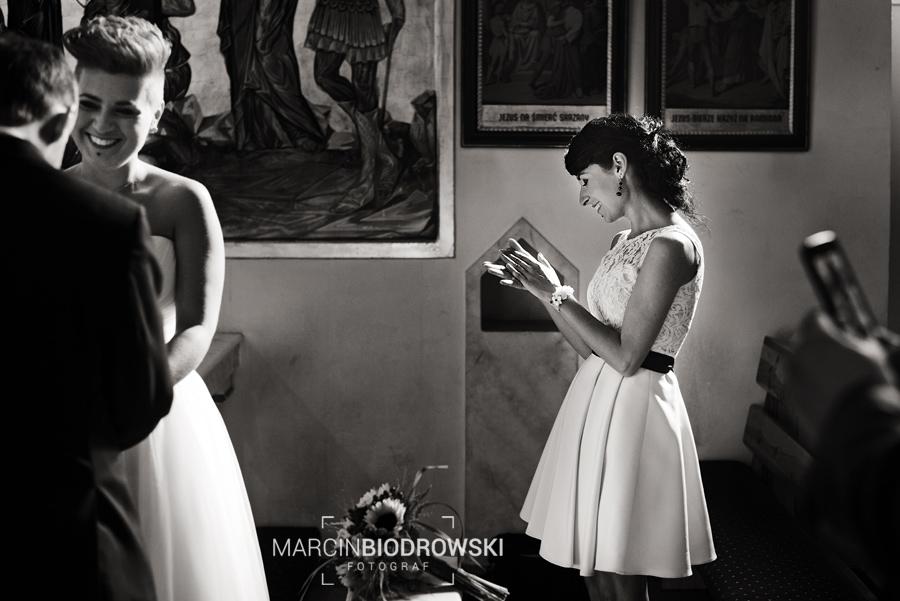 emocje na zdjeciach ślubnych
