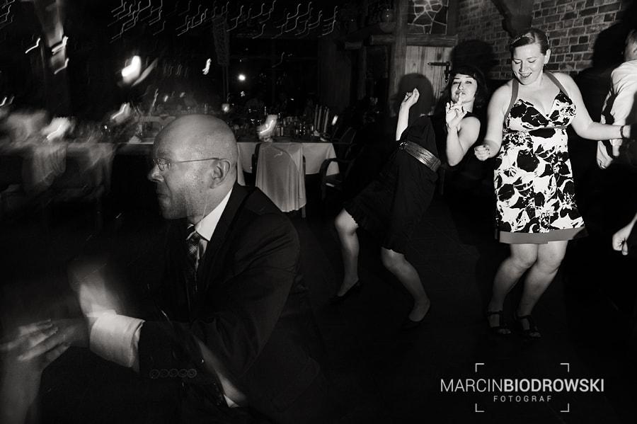 czarno-białe zdjęcia z wesela