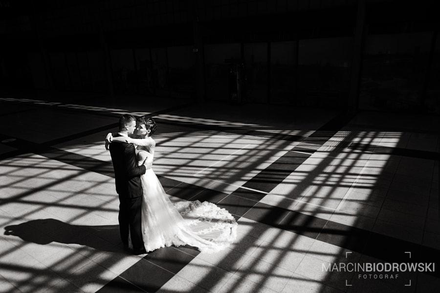 zdjęcia ślubne wrocław dworzec główny