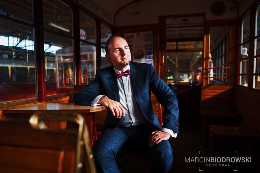 plener ślubny wrocław tramwaj