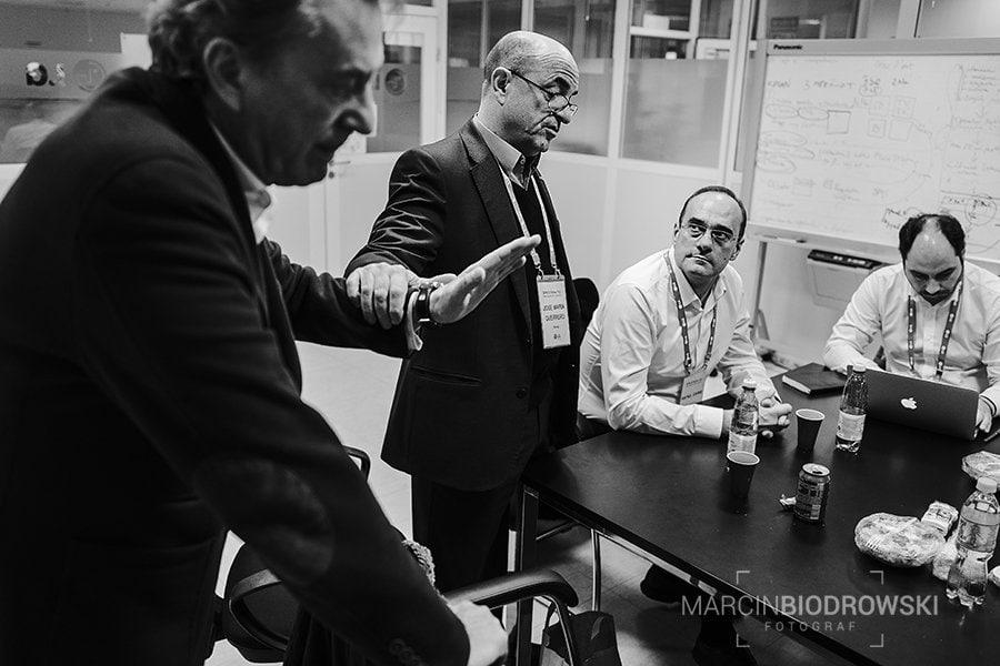 Reportaż z negocjacji handlowych | fotograf dla firm Wrocław