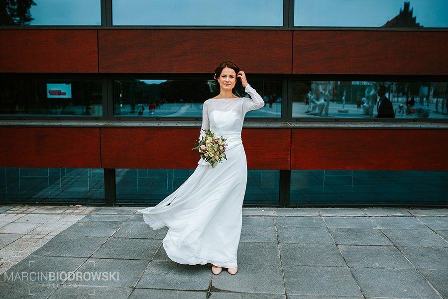 Aparat jakiego używa fotograf ślubny nie ma znaczenia