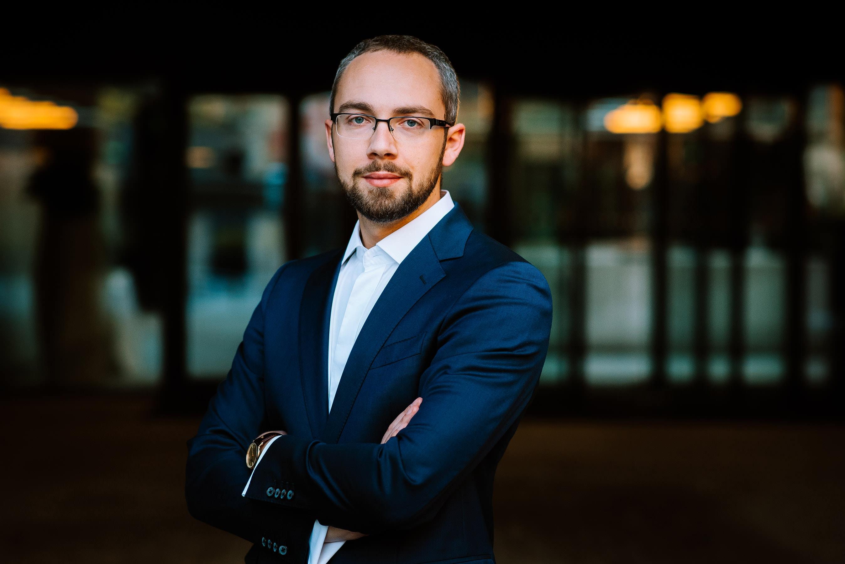portret biznesowy wrocław - zdjęcia poza studiem