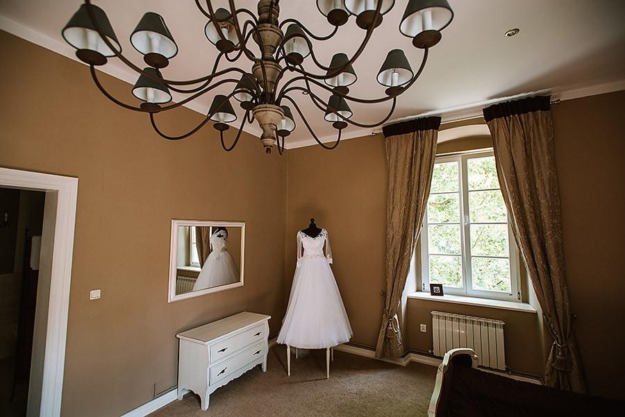 pałac konary suknia ślubna