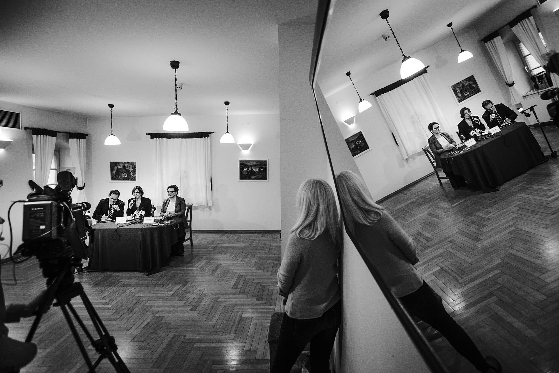 Fotograf na konferencję prasową
